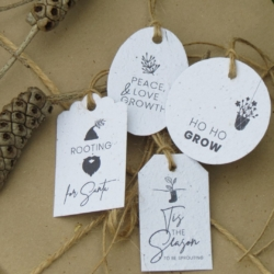 Christmas Seeded Tags 4-pack