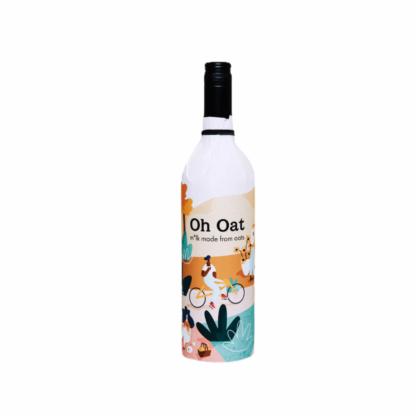 Clean-label Oat M*lk in Glass Bottle